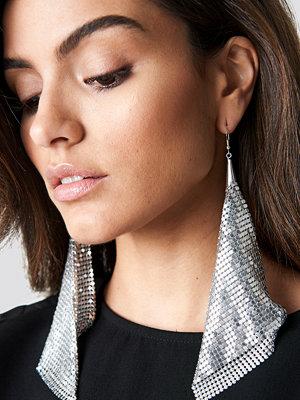 Hannalicious x NA-KD smycke Hanging Metal Mesh Earrings silver