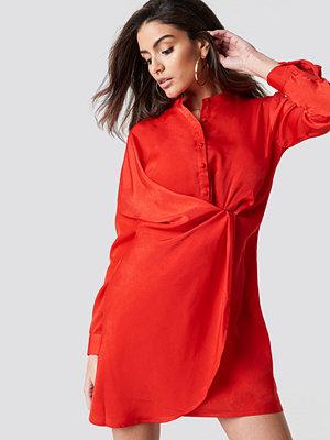 Hannalicious x NA-KD Draped Shirt Dress - Festklänningar
