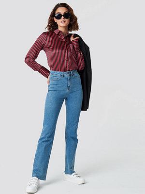 Emilie Briting x NA-KD Raw Edge Jeans