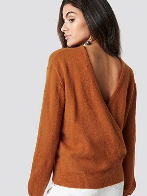 NA-KD Trend Back Overlap Knitted Sweater orange