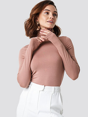 NA-KD Basic Viscose Long Sleeve Polo Top rosa
