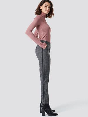 Rut & Circle mörkgrå rutiga byxor Dark Check Pant grå