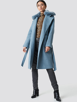NA-KD Trend Big Faux Fur Collar Coat blå