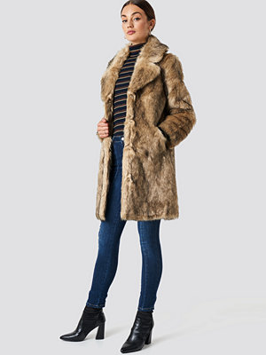 NA-KD Trend Faux Fur Collar Long Jacket brun