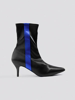 NA-KD Shoes Striped Satin Sock Boots svart