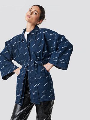 NA-KD Trend Logo denim Kimono blå
