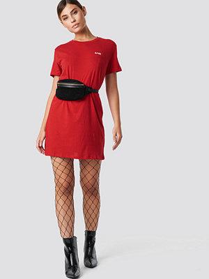 NA-KD Babe T-shirt Dress - Miniklänningar