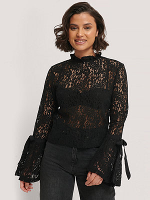 NA-KD Boho Wide Sleeve Lace Top svart