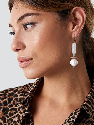 NA-KD Accessories White Drop Earrings - Smycken