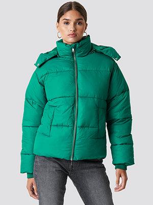 NA-KD Puffer Jacket grön
