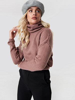 NA-KD Folded Oversize Short Knitted Sweater rosa