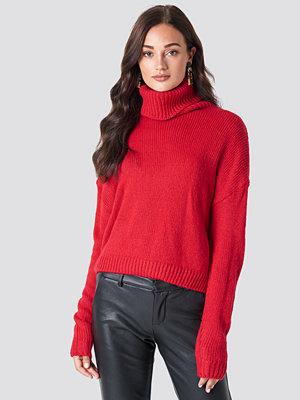 NA-KD Folded Oversize Short Knitted Sweater röd