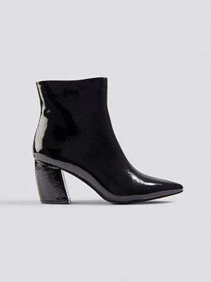 NA-KD Shoes Structured Patent Mid Heel Boots svart