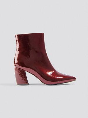 Pumps & klackskor - NA-KD Shoes Structured Patent Mid Heel Boots röd