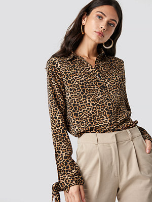 NA-KD Trend Tie Sleeve Leo Shirt brun