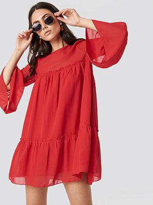 NA-KD Boho Flounced Mini Chiffon Dress röd