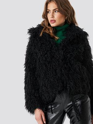 NA-KD Faux Fur Short Jacket svart