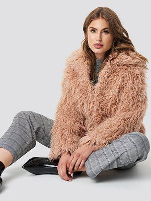 NA-KD Faux Fur Short Jacket rosa