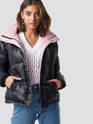 Luisa Lion x NA-KD Two Toned Puffer Jacket svart rosa