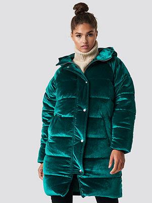 NA-KD Velvet Long Puffer grön
