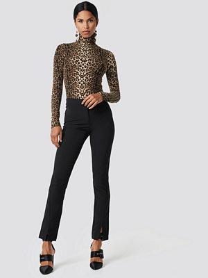 NA-KD svarta byxor Front Slit Suit Pants svart