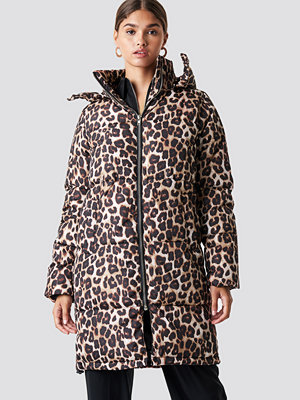 NA-KD Trend Long Leo Printed Padded Jacket - Kappor