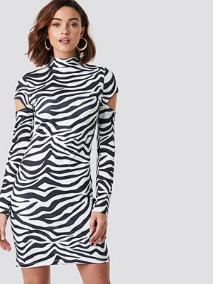 NA-KD Trend High Neck Cut Out Sleeve Dress - Festklänningar