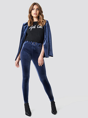 Galore x NA-KD High Waist Belted Velvet Pants blå