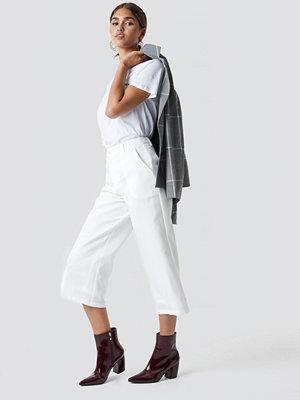 NA-KD vita byxor Wide Cropped Trousers vit