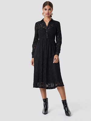 NA-KD Long Sleeve Lace Midi Dress svart