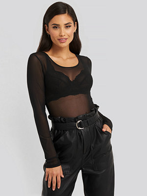 NA-KD Party Deep Round Neck Mesh Top svart