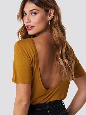 T-shirts - NA-KD Viscose Deep Back Tee brun