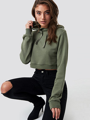 Pamela x NA-KD Cropped Rib Hoodie grön