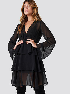 NA-KD Boho Triple Layer LS Flounce Dress svart