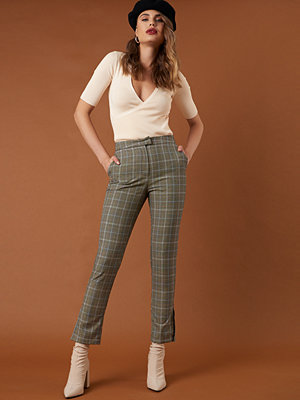 NA-KD Classic rutiga byxor Slit Detail Suit Pants grön