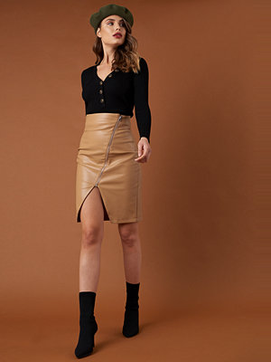 NA-KD Trend Front Zipper PU Skirt brun