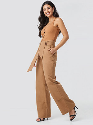 NA-KD Trend Fold Up Wide Leg Pants beige byxor