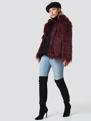 Linn Ahlborg x NA-KD Fluffy Faux Fur Jacket röd lila