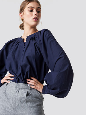 NA-KD Boho Buttoned Neckline Oversize Blouse - Blusar