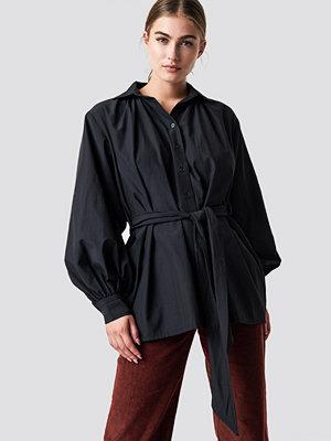 NA-KD Trend Tie Waist Balloon Sleeve Shirt
