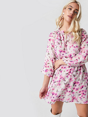 Trendyol Flower Print Mini Dress - Korta klänningar
