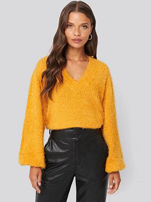 NA-KD Hairy Deep V-neck Sweater gul