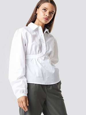 NA-KD Trend Cup Detailed Cropped Shirt