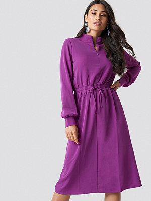 Moves Flovera Dress - Midiklänningar