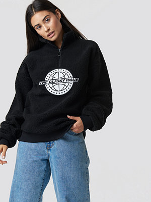 The Classy Issue x NA-KD The Classy Polar Unisex Sweatshirt