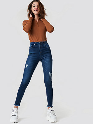 NA-KD Skinny Twisted Jeans blå