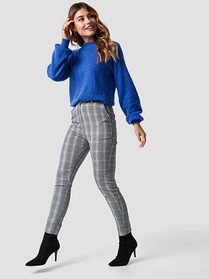 NA-KD Classic grå rutiga byxor Tailored Straight Suit Pants grå