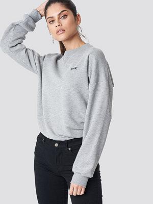 NA-KD Babe Sweatshirt grå