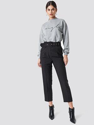 Trendyol svarta randiga byxor Waistband Detailed Pants svart