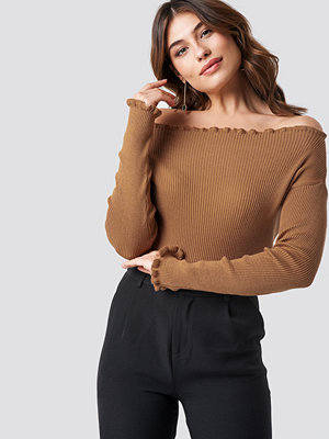 NA-KD Knitted Frill Off Shoulder Sweater beige